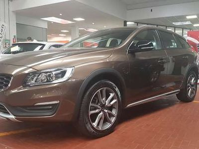 usata Volvo V60 CC D3 Geartronic