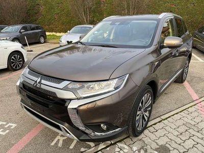 usata Mitsubishi Outlander 2.0 4WD CVT Insport SDA 7 posti