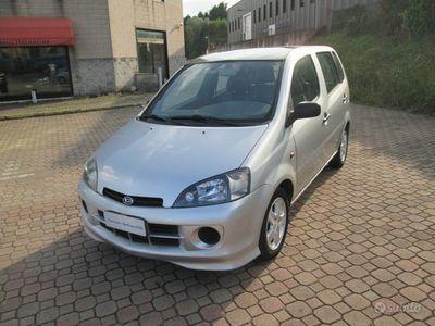 usata Daihatsu YRV - 2003
