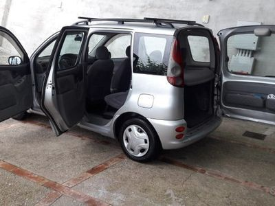 usata Toyota Verso-S - 2002