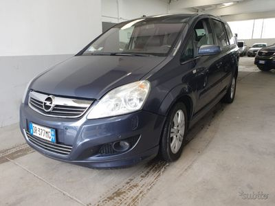 usata Opel Zafira 1.6 7 posti Metano