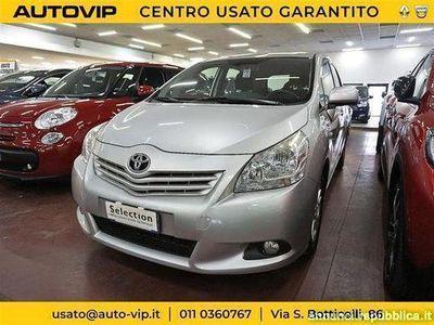 usado Toyota Avensis Verso 2.0 d 4d Sol mt Torino