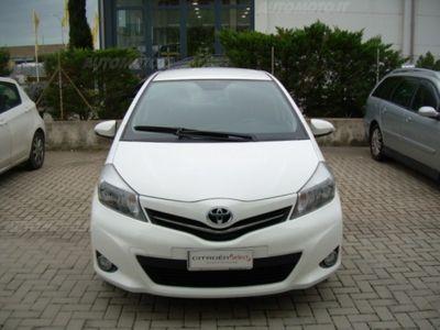 gebraucht Toyota Yaris 1.3 5 porte Lounge