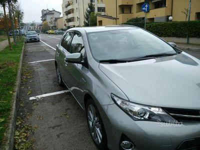 używany Toyota Auris Hybrid 1.8 Active