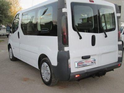 usata Nissan Primastar 1.9 dCi/100 PC Autovettura 9 posti Gancio traino Diesel