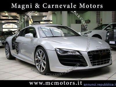 usado Audi R8 Coupé 5.2 V10 R/TRONIC- SIDE BLADES CARBONIO-CARBON PACK