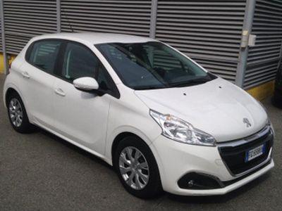 begagnad Peugeot 208 1.6hdi van n1 fatturabile