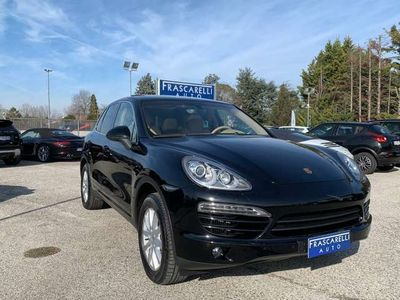 usata Porsche Cayenne 3.0 Diesel /tetto pan/pasm/pelle/navi/km doc/belli