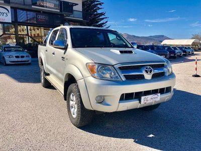 usado Toyota HiLux 3.0 D-4D aut.4WD 4p. Double Cab SR rif. 10833833