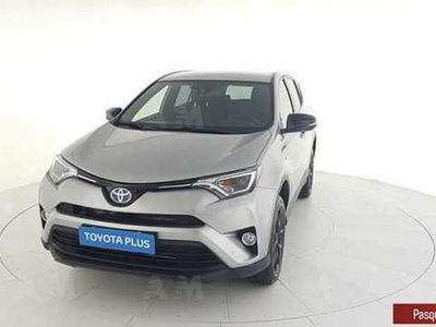 used Toyota RAV4 Hybrid 2WD Dynamic del 2018 usata a San Giovanni Teatino