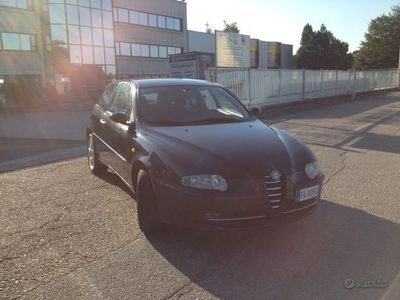 usata Alfa Romeo 147 1.6 benzina - euro 4