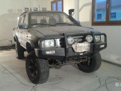 usata Toyota HiLux 2.4 ln105