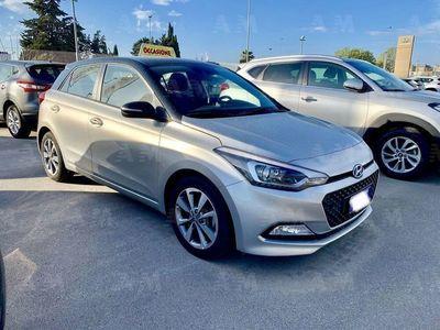 used Hyundai i20 1.1 CRDi 12V 5 porte Comfort del 2015 usata a Lecce