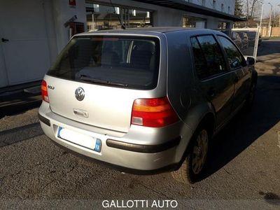 usata VW Golf 1.4 16V cat 5 porte