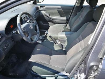 usata Toyota Avensis 2.2 D-Cat 16V Station Wagon