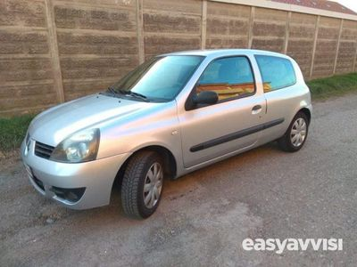 usado Renault Clio storia 1.2 16v 3 porte confort benzina