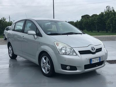 usata Toyota Corolla Verso 2.2 d4d