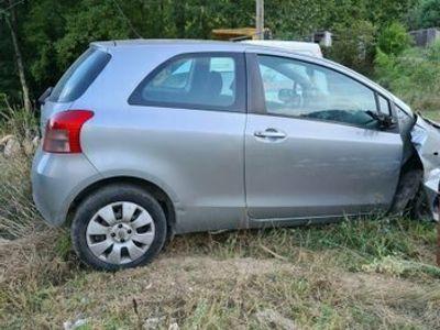 usata Toyota Yaris 1.3i 16V cat 3 porte Sol