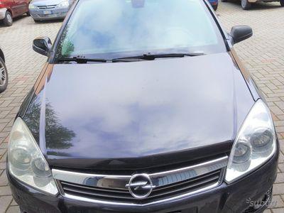 brugt Opel Astra 3ª serie - 2010