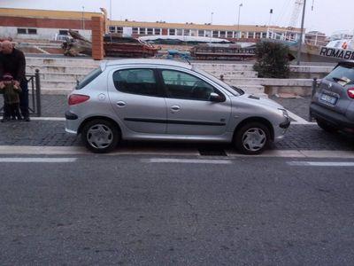 usado Peugeot 206 1.1 5p. Lee