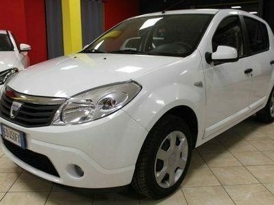 usata Dacia Sandero 1.5 dci 70cv 5 porte clima bassi consumi radio