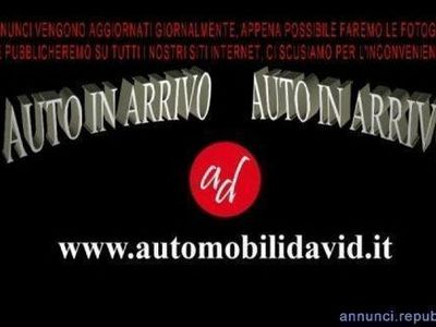 usado Toyota Avensis Verso 2.0 D Style 7 posti Maniago