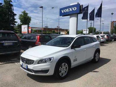 brugt Volvo V60 CC D4 AWD Geartronic Plus del 2017 usata a Ravenna