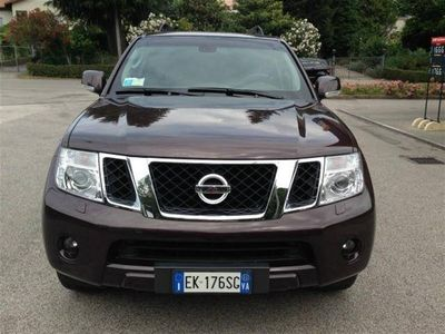 usata Nissan Pathfinder 2.5 dCi LE del 2011 usata a Varese