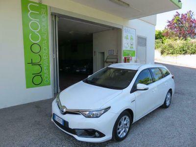 usata Toyota Auris Touring Sports 1.8 Hybrid Business MODEL YEAR 2017