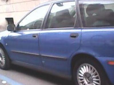 used Volvo V40 - 2001
