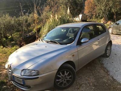 usata Alfa Romeo 147 110000 km 300 euro