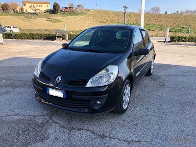 usata Renault Clio 1,5dci 28km con un litro 2008