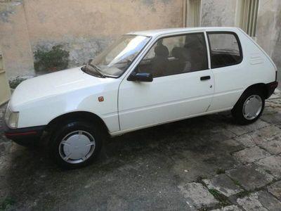 usata Peugeot 205 3 porte Look del 1991 usata a Brindisi