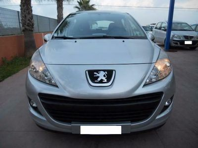 usata Peugeot 207 1.4 HDi 70CV 5p. unico proprietario NEO PATENTATI