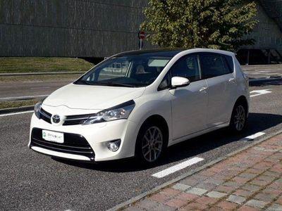 usata Toyota Verso 2.0D Active 7 posti TETTO PANOR UNIP