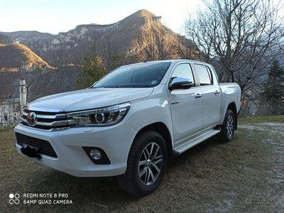 usata Toyota HiLux double cab - 2017