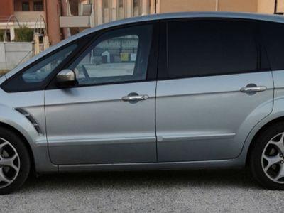 usata Ford S-MAX 2.0 Td 140 Titanium con cambio automati