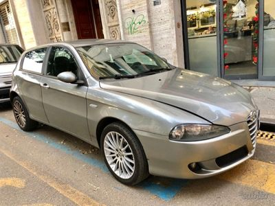 gebraucht Alfa Romeo 147 2ª serie - 2006 1.9 JTDM FULL OPTIN