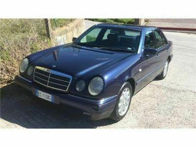 usata Mercedes E200 Kompressor cat Elegance **G P L*
