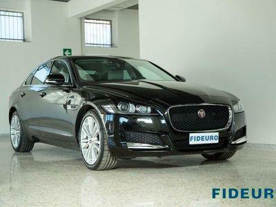 usata Jaguar XF 2.0 D 240 CV AWD aut. Prestige