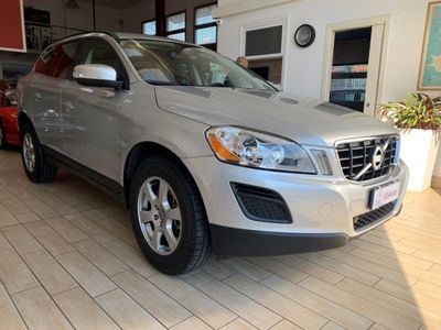 usata Volvo XC60 D3 AWD Geartronic Momentum