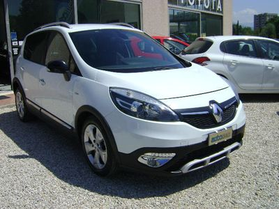 begagnad Renault Scénic ScenicXMod Cross 1.5 dCi 110CV Energy