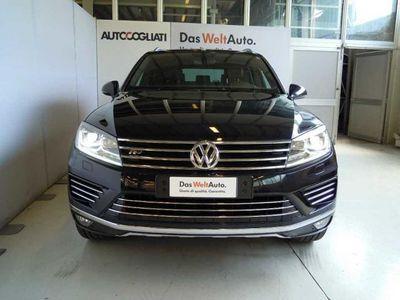 used VW Touareg 3.0 TDI 204 CV tiptronic BlueMotion Techn. Executive del 2017 usata a Brivio