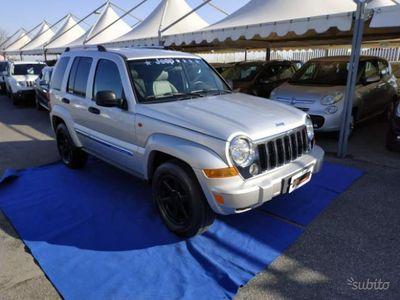 usado Jeep Cherokee 2.8 CRD DPF Limited Auto