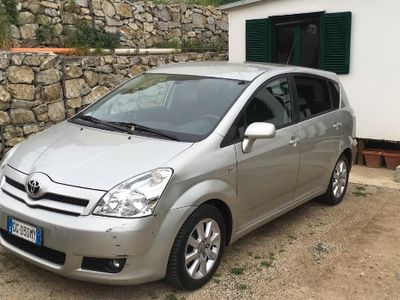 usata Toyota Corolla Verso 2.2 D4d km 91000