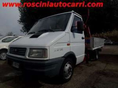 usata Iveco Daily 35.8 GRU FASSI+ CASS.3,10-PASSO 3550 Diesel