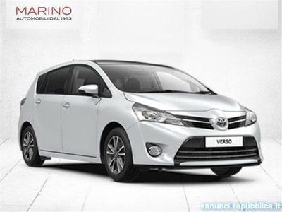 gebraucht Toyota Avensis Verso Verso 1.6 D-4D Style 7 posti Bari