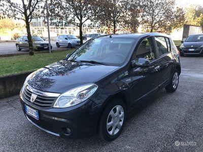 usata Dacia Sandero 1.4 benz/GPL - Neopatentati