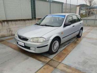 usata Mazda 323F