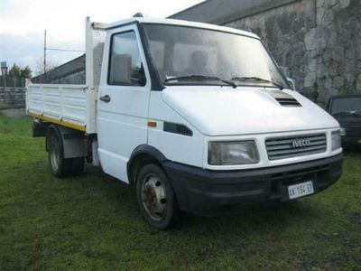 usata Iveco Daily 35/8 2.5 D TRILATERALE